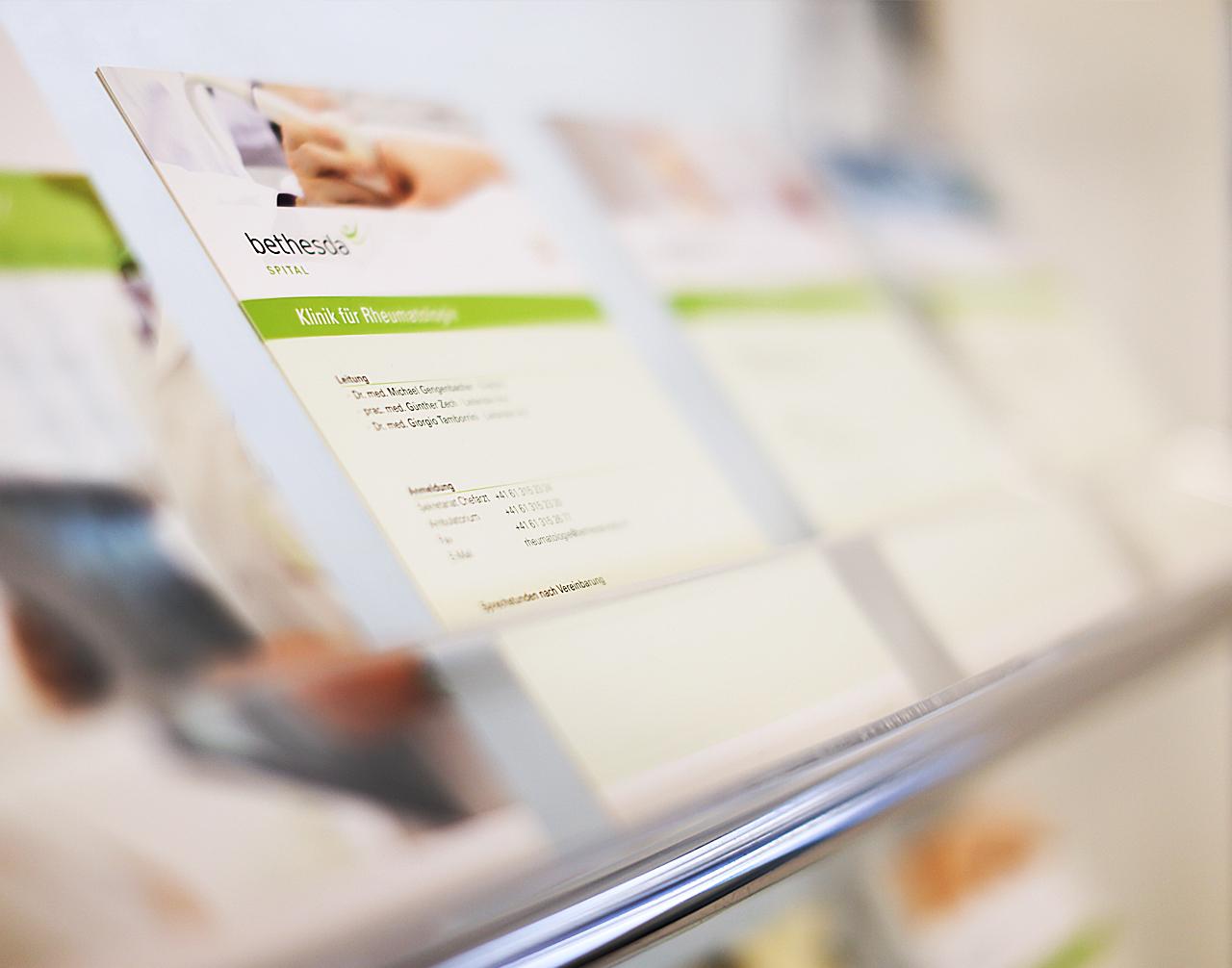 Diverse Flyer Bethesda Spital - scanu communications